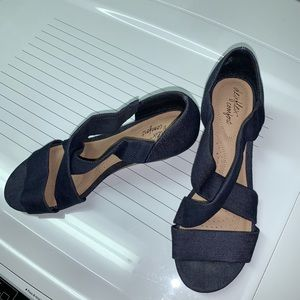 Dexflex Comfort Blue Denim Wedges Size 7 1/2